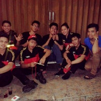 Photo taken at PHD - Pizza Hut Delivery by putrinda n. on 6/15/2013