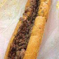 Снимок сделан в Jim's Steaks пользователем Jessica R. 1/7/2013