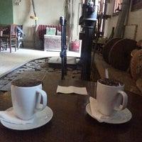 Photo taken at Arka Sokak Cafe by Esra Ö. on 4/18/2014
