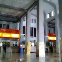 Photo taken at Stasiun Yogyakarta Tugu by Fie on 4/23/2013