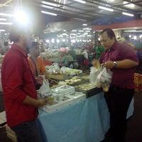 Photo taken at Pasar Kue Subuh by Chris E. on 8/28/2015