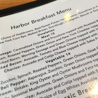 Foto tirada no(a) Harbor Breakfast por Dave G. em 4/28/2018
