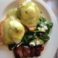 Foto tirada no(a) Poached Breakfast Bistro por Carol C. em 4/4/2013