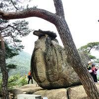 Photo taken at 요선암, 요선정 by Jiwon H. on 4/13/2014