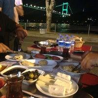 7/22/2013 tarihinde Emreziyaretçi tarafından Kale Cafe'de çekilen fotoğraf