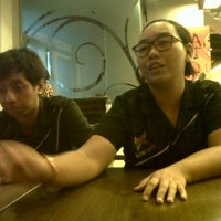 Photo taken at Pizza Hut by Anka Y. on 8/15/2013