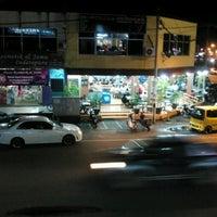 Photo taken at Restoran Al-Hijrah by yeng 3. on 2/18/2013
