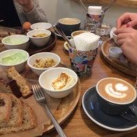 Das Foto wurde bei Smena Cafe von Misha S. am 12/24/2017 aufgenommen