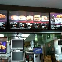 Foto diambil di McDonald's / McCafé oleh Farok O. pada 3/18/2013