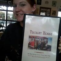 Foto tirada no(a) Trolley House por Jennifer S. em 1/30/2013