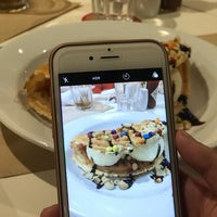 Foto tomada en Pancake House por Jiselle L. el 3/24/2018
