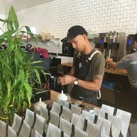 Foto tirada no(a) Vesta Coffee Roasters por Saud em 8/23/2018