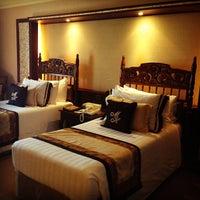 Das Foto wurde bei Manila Hotel von Bhey am 3/29/2013 aufgenommen