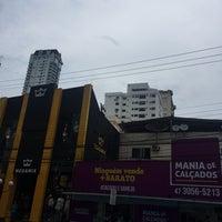 Foto tirada no(a) Avenida Central por Esther A. em 5/18/2018