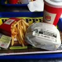 2/15/2013 tarihinde Ozan A.ziyaretçi tarafından Burger King'de çekilen fotoğraf