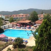 Photo taken at Şalhan Apart inn by Ozan A. on 8/11/2014