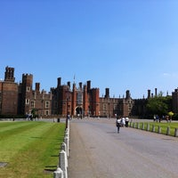 Photo prise au Château de Hampton Court par Alex C. le7/6/2013