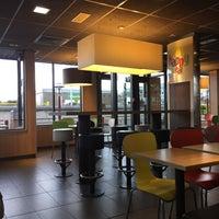 Photo taken at McDonald's by Lisandra M. on 4/27/2017