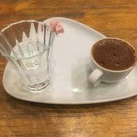 Foto tomada en Cadde Plus por Özgün G. el 12/3/2017
