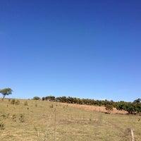 Photo taken at Comunidade N. Sra. Glória - Pomares by Cassio C. on 8/3/2014