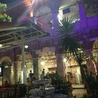 Photo prise au Taşhan Historical Bazaar par Serkan L. le6/21/2013