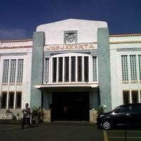 Photo taken at Stasiun Yogyakarta Tugu by Andromeda N. on 2/22/2013