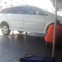 Photo taken at Pusat Services Tayar & Kereta Car Point Centet by Zul-Azmi R. on 2/23/2013