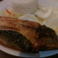 Photo taken at Rufo's Famous Tapa by Bles B. on 10/21/2014