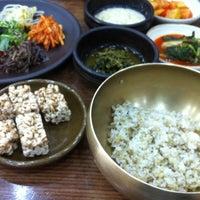 Photo taken at 청국장과 보리밥 by Hee S. on 5/2/2014