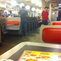 Photo taken at Waffle House by Fhidel S. on 8/4/2014
