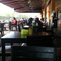 Photo taken at Restoran Nur Rihana by Hä®®is M. on 3/9/2013