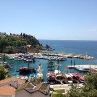 6/14/2013 tarihinde Neşe D.ziyaretçi tarafından Yat Limanı'de çekilen fotoğraf