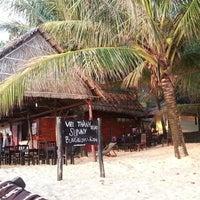 Photo taken at Viet Thanh Resort by Maria B. on 3/6/2014