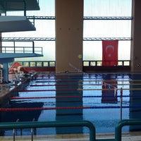 5/25/2013 tarihinde Emil T.ziyaretçi tarafından NEU Swimming Pool'de çekilen fotoğraf