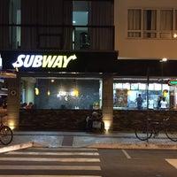 Foto tirada no(a) Subway por Bruno O. em 11/28/2017