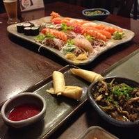 Foto tirada no(a) Ryuu Sushi Bar por Vanessa G. em 7/13/2013