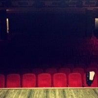 Photo prise au Ali Poyrazoğlu Tiyatrosu par Mert K. le10/8/2015