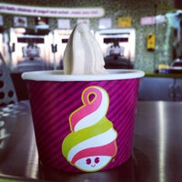 Photo taken at Menchie's Hitteen by Muath Al S. on 2/19/2014