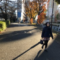 Photo taken at 新目白通り by まほ 西. on 12/13/2017
