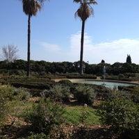 Foto tirada no(a) Jardins de Can Sentmenat por Susana A. em 2/24/2013