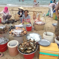 Снимок сделан в Bãi Biển Nha Trang (Nha Trang Beach) пользователем Guru L. 7/30/2012