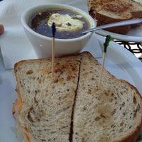 รูปภาพถ่ายที่ Phelan Good Cafe โดย Nate C. เมื่อ 6/2/2012