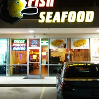Photo taken at Fish Skillet Seafood by Toyed T. on 11/26/2014