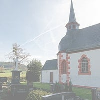 Das Foto wurde bei Dreifaltigkeitskirche von Ulli N. am 10/28/2013 aufgenommen