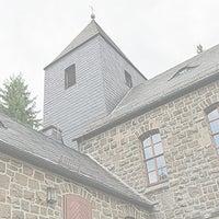 Das Foto wurde bei Auferstehungskirche von Ulli N. am 10/24/2013 aufgenommen