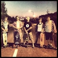 Photo taken at Longboard Autobahn przy Magnolii by Paweł P. on 5/5/2013