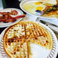 Photo taken at Waffle House by Edgar P. on 7/14/2015