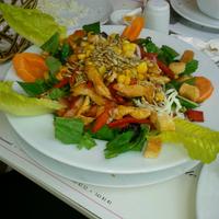 4/23/2013 tarihinde Deniz Ç.ziyaretçi tarafından Bornova Elit Restaurant'de çekilen fotoğraf