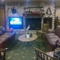 Photo taken at Stoney Creek Inn by 2catsblue on 9/25/2014