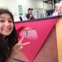Photo taken at Papa John's Pizza by Mariale F. on 4/30/2014